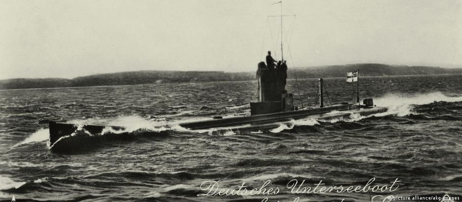Cartão postal mostra submarino alemão usado na Primeira Guerra