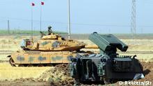 Türkei Panzer graben sich in Grenznähe zum Irak ein
