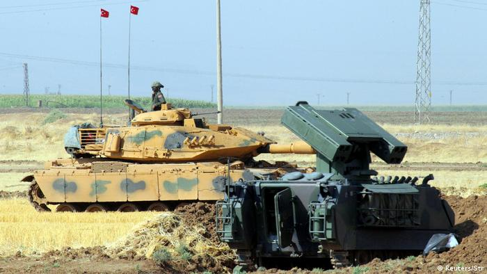 Турецькі війська та бойова техніка під час навчань поблизку Іраку