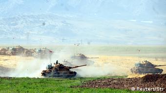 Ο τουρκικός στρατός πραγματοποιεί ασκήσεις κοντά στα σύνορα με το Ιράκ