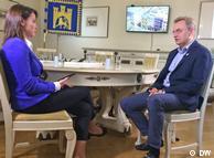 Андрей Садовый дает интервью Жанне Немцовой