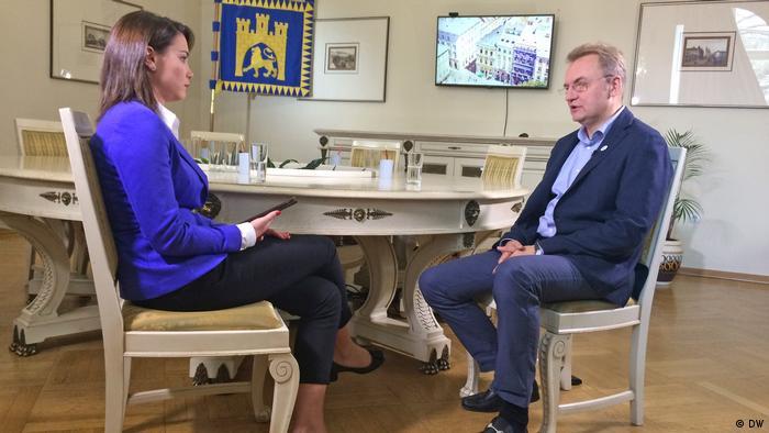 Мэр Львова соврал, что в городе не любят русских и признал Путина «образцом» лидера