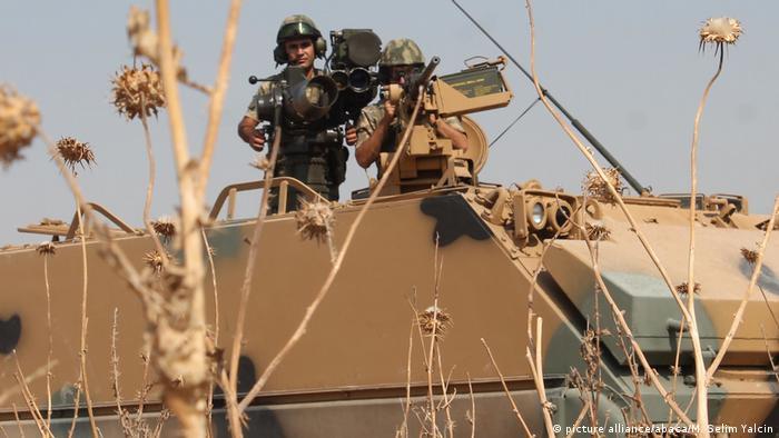 Türkei Panzer an der Grenze zu Irak