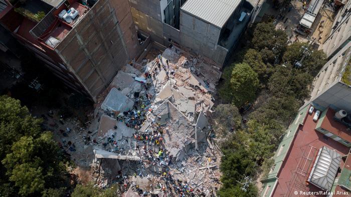 руины здания в Мехико