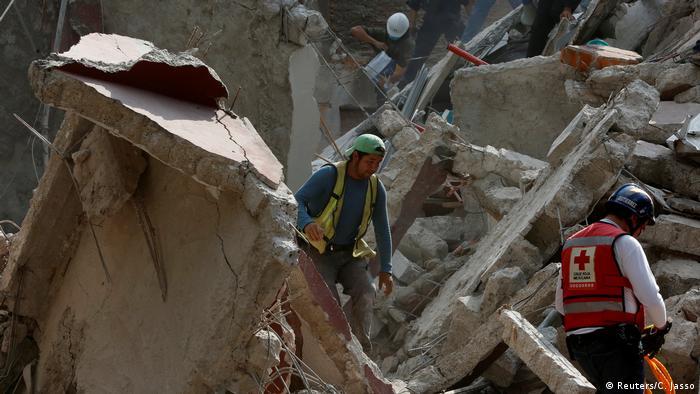Sismo de 6.1 con epicentro en Oaxaca deja derrumbes