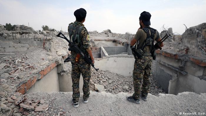 Syrien Kämpfer der SDF in Rakka