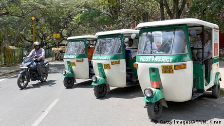 Electric rickshaws (Getty Images/AFP/M. Kiran)