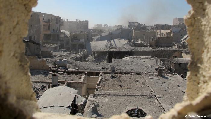 Ein Blick von einer der beiden Positionen der MFS in Raqqa