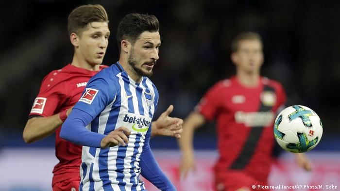 Deutschland Bundesliga Hertha Berlin gegen Bayer 04 Leverkusen | Mathew Leckie (Picture-alliance/AP Photo/M. Sohn)