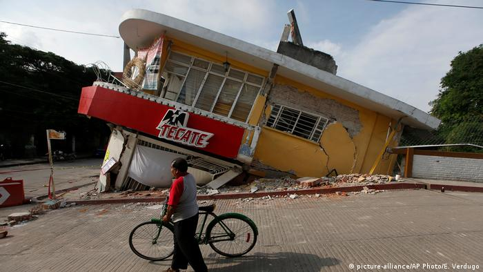 Mexiko City nach dem Erdbeben (picture-alliance/AP Photo/E. Verdugo)