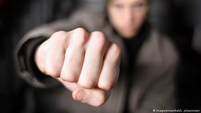 Gewaltbereite Jugend Berlin Deutschland Symbolbild
