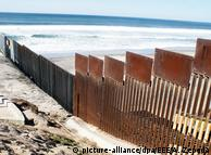 Забор на границе Мексики и Калифорнии