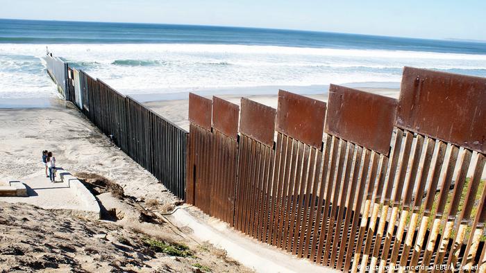 Grenzzaun USA Mexiko (picture-alliance/dpa/EEE/A. Zepeda)