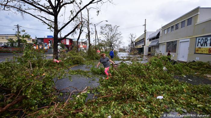 Árvores caídas em San Juan (Getty Images/AFP/H. Retamal)