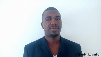 Angola Osvaldo Caholo - Menschensrechtsaktivist (DW/M. Luamba)