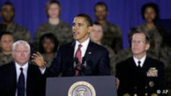 Obama besucht Camp Lejeune