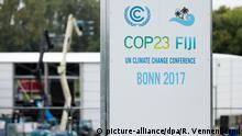 19.09.2017 *** Zelte für die UN-Klimakonferenz werden am 19.09.2017 in Bonn (Nordrhein-Westfalen) aufgebaut. Vom 06.11. bis 17. November findet in Bonn die UN-Klimakonferenz statt. Foto: Rolf Vennenbernd/dpa | Verwendung weltweit