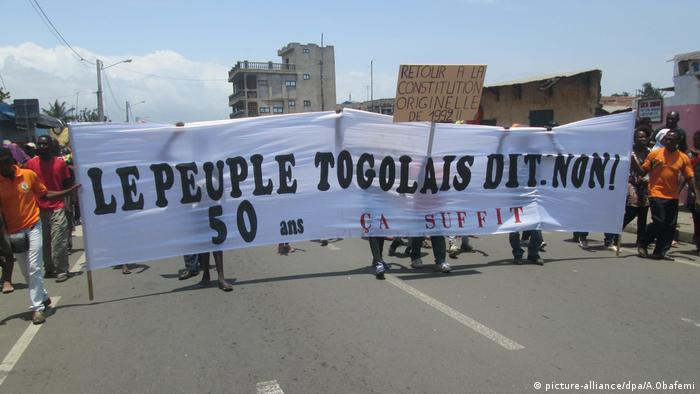 Togo Demonstration Togo (picture-alliance/dpa/A.Obafemi)