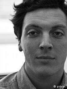 «Η ελληνική κρίση βρίσκεται στο περιθώριο του προεκλογικού αγώνα», εκτιμά ο κοινωνιολόγος Αρ. Αγριδόπουλος