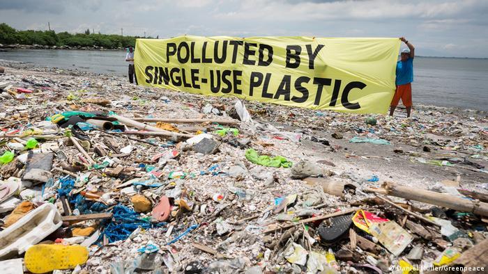 Protesto contra poluição plástica