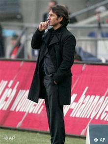 HSV-Trainer Labbadia bleibt trotz des Erfolges gelassen (Foto: AP)