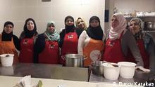 İstanbul'daki hayata mutfakta tutundular