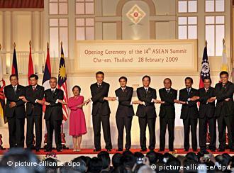 Die Staats- und Regierungschefs der ASEAN-Staaten (Quelle: dpa)