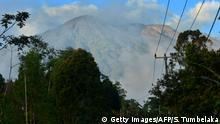 Bali Sorge vor Vulkanausbruch - 11 000 Menschen verlassen Häuser