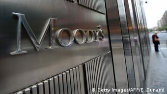 Στην αναβάθμιση του ελληνικού αξιόχρεου από τον οίκο Moody's αναφέρεται η Handelsblatt