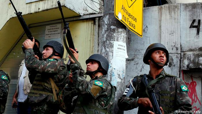 Brasilien Polizeieinsatz in der Favela Rocinha