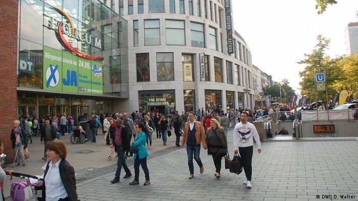 Deutschland Duisburg Reportage Designer Outlet Center Duisburg | Einkaufszentrum Forum Duisburg