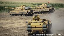 Türkische Soldaten bei einem Manöver nahe dem Habur-Grenzübergang zum Irak