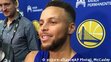 USA Basketballer Stephen Curry Pressekonferenz in Oakland (picture-alliance/AP Photo/J. McCauley)