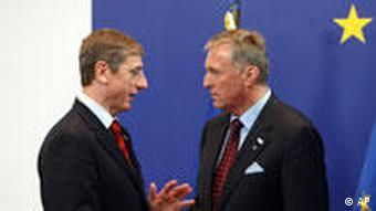 Hungary's PM Gyurcsany, left, with Czech PM Topolanek
