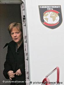 Ангела Меркель после вынужденной посадки лайнера A310 в Ганновере