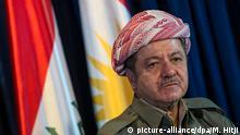 25.09.2014 Massud Barsani, Präsident der kurdischen Autonomieregion im Nordirak, gibt am 25.09.2014 in Erbil, Irak eine Pressekonferenz nach dem Gespräch mit der Bundesverteidigungsministerin von der Leyen (CDU). Von der Leyen reist für einen Tag in den Irak. Foto: Maja Hitij/dpa (zu dpa: Kurden-Chef Barsani: PKK soll Irakisch-Kurdistan verlassen vom 02.08.2015) +++(c) dpa - Bildfunk+++ | Verwendung weltweit