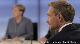 Schäuble 'natural authority,' says FDP's Lindner (R)