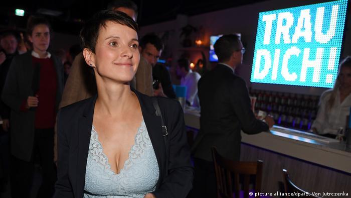 Deutschland Bundestagswahl | AfD Wahlparty | Petry (picture alliance/dpa/B. Von Jutrczenka)