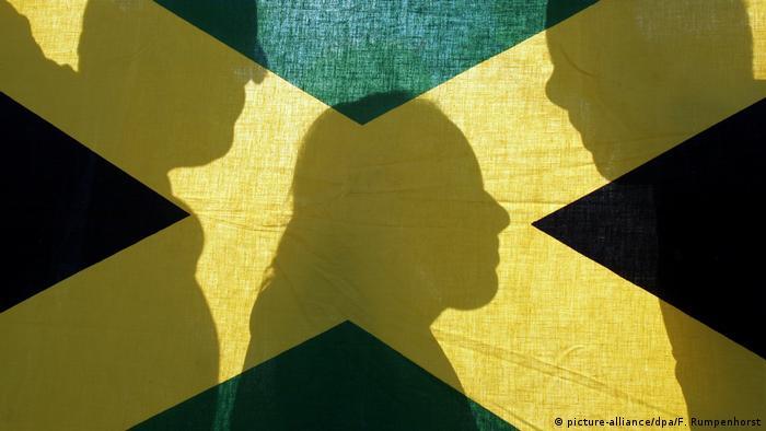 Posible gobierno de coalición: CDU (negro), FDP (amarillo) y Los Verdes.