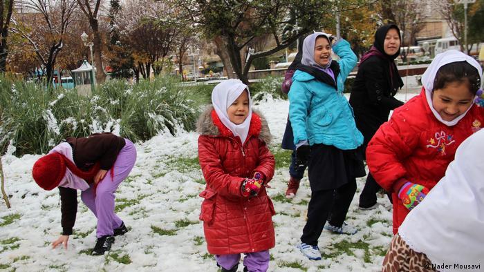 Iran Schulausbildung afghanischer Kinder (Nader Mousavi)