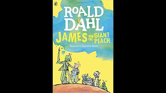 Book cover of James and the Giant Peach by Roald Dahl