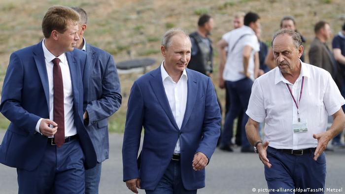 Wladimir Putin Besuch auf der Krim (picture-alliance/dpa/Tass/M. Metzel)