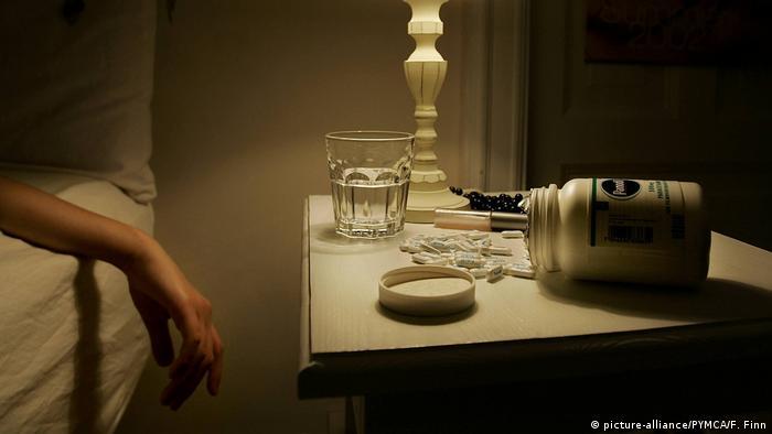 Symbolbild Tabletten Selbstmord