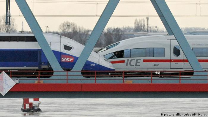 A German and French high-speed train (picture-alliance/dpa/M. Murat)