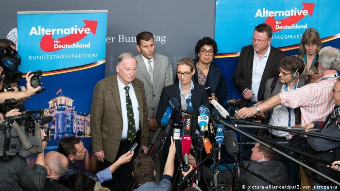 Deutschland AfD Alice Weidel und Alexander Gauland (picture-alliance/dpa/B. von Jutrczenka)
