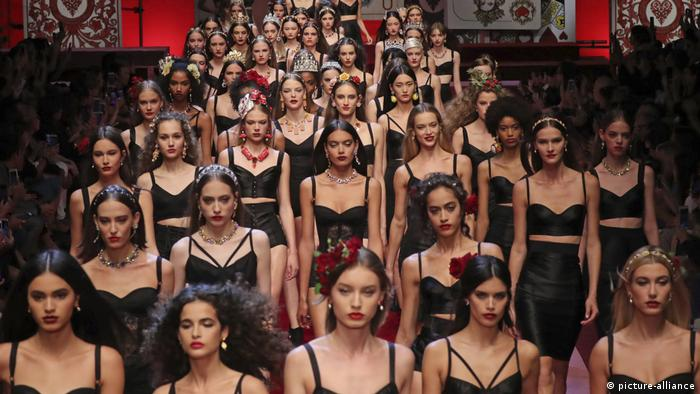 Italien, Mailand, Modenschau, Dolce&Gabbanai