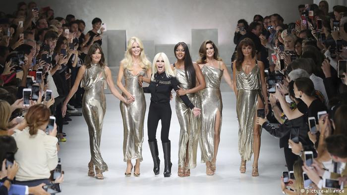 Italien, Mailand, Modenschau, Versace (picture-alliance)