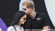 Prinz Harry mit Freundin Meghan Markle bei den Invictus Games in Toronto (picture-alliance/empics/N. Denette)
