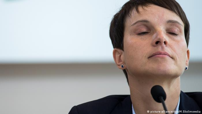 Landtags-PK mit Frauke Petry (picture-alliance/dpa/M.Skolimowska)