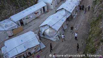 Χαρακτηριστική εικόνα από τον προσφυγικό καταυλισμό στη Χίο